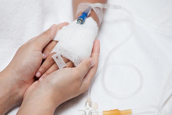 Img_catheter_main_adulte_enfant